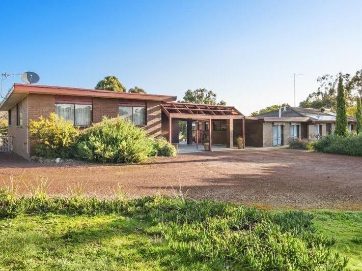 6 Eucalyptus Drive, Invermay, Vic 3352