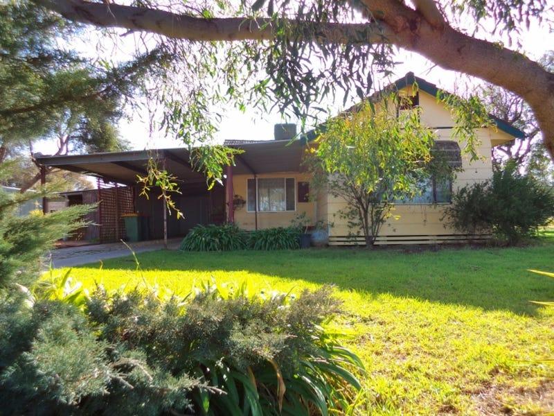 114 Lake Boga Ultima Road, Lake Boga, Vic 3584