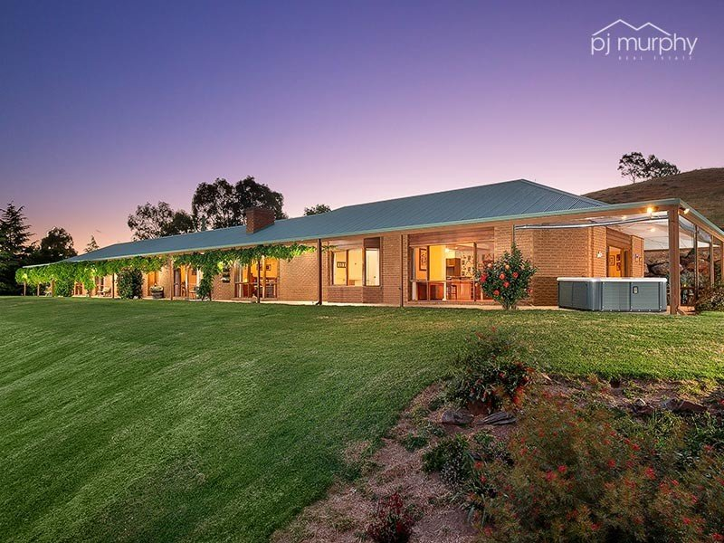 72 Gilberts Road, Wodonga, Vic 3690