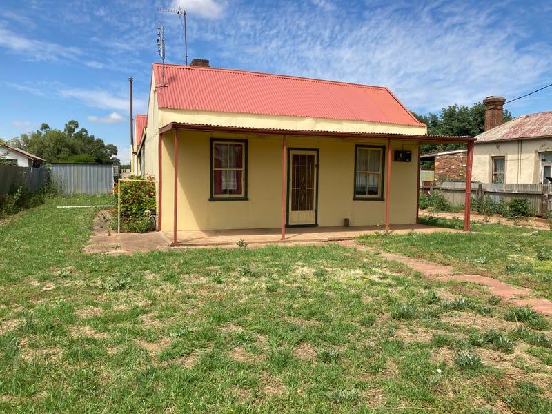 16 Cootamundra Road, Temora, NSW 2666