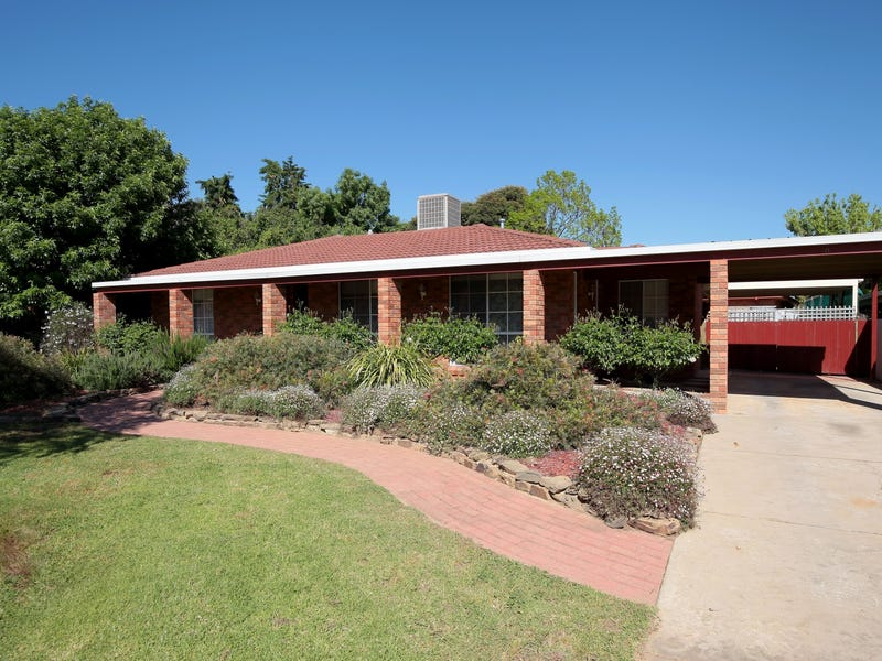 10 Kobi Place, Glenfield Park, NSW 2650