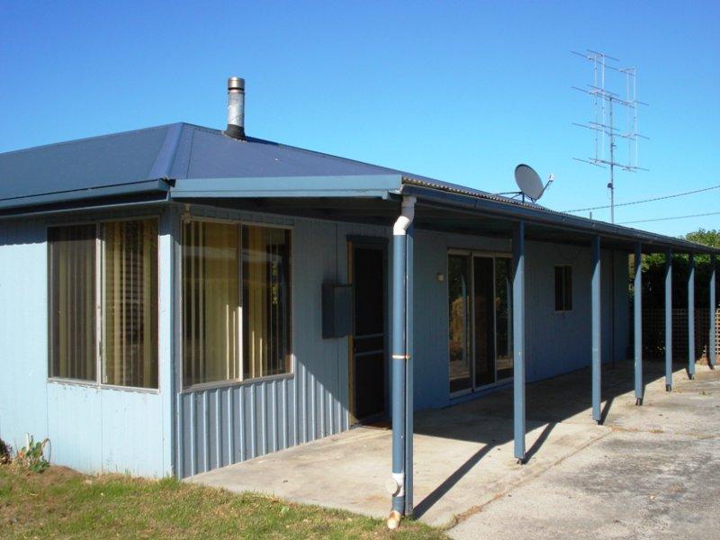 114 Main Street, Currie, Nugara, Tas 7256