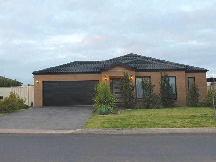 15 Calabria Road, Griffith, NSW 2680