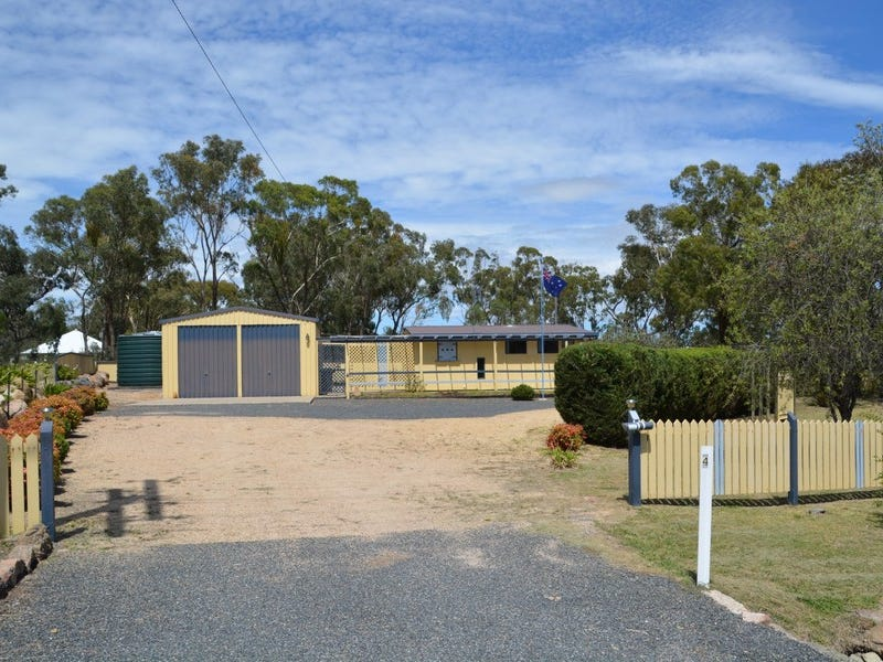4 Calvert Road, Glen Aplin, Qld 4381