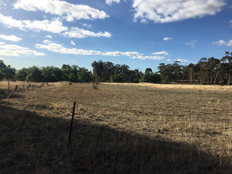 17 Bridgewater-Dunolly rd, Llanelly, Vic 3551