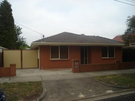 2/33 Parkstone Avenue, Pascoe Vale South, Vic 3044