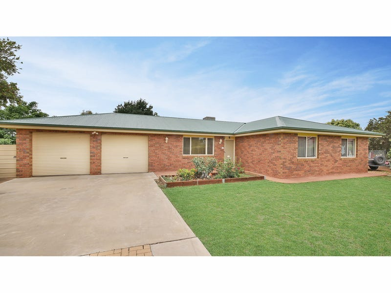 105 Oak Crescent, Narromine