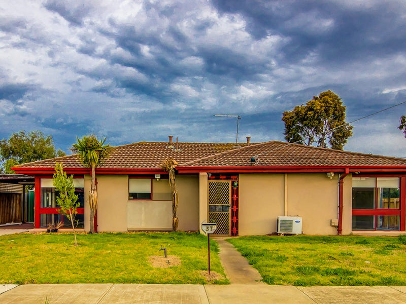 37 .Parrakeet Road, Werribee, Vic 3030