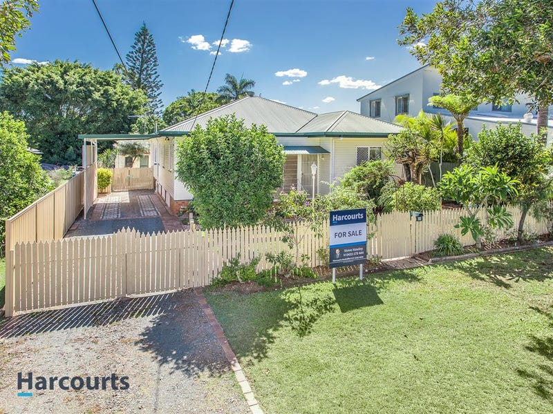 26 Wharf Street, Woody Point, Qld 4019