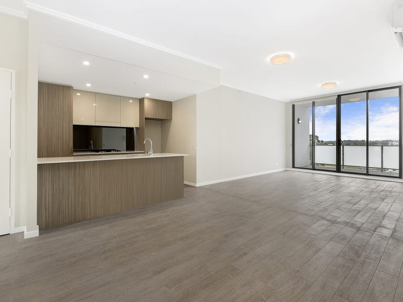 724/1-39 Lord Sheffield Circuit, Penrith, NSW 2750