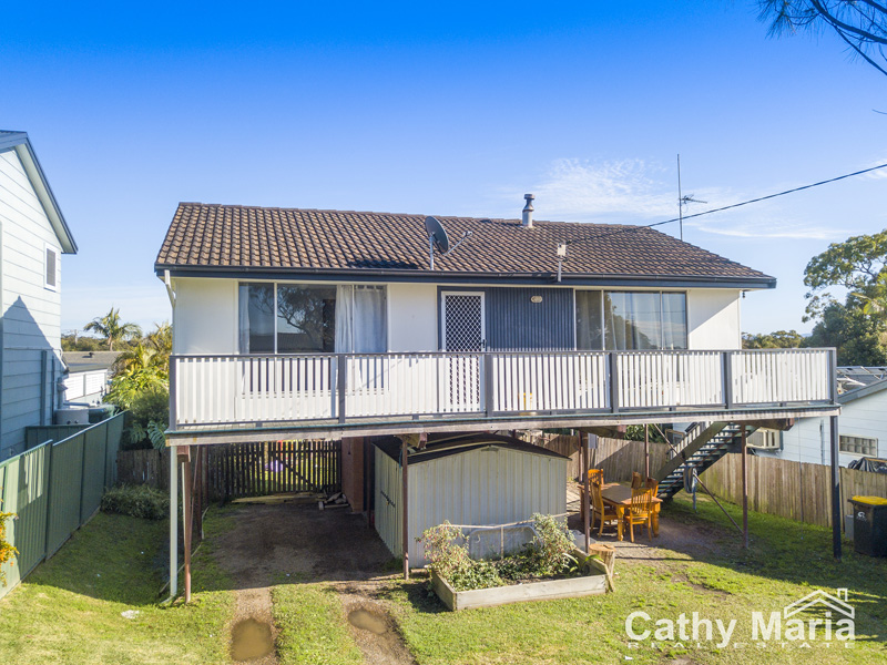 35 Dale Avenue, Chain Valley Bay, NSW 2259