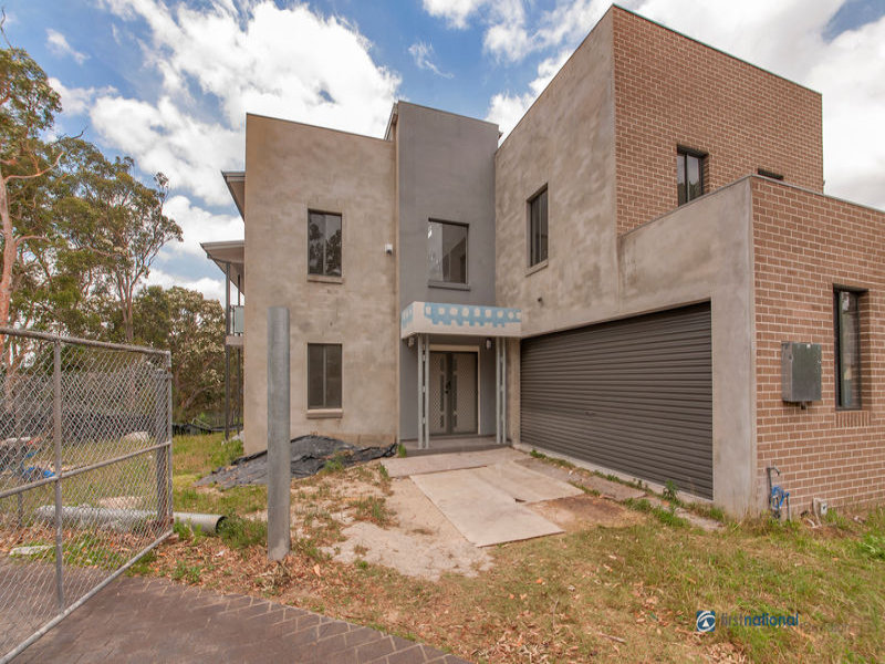 60 St George Crescent, Sandy Point, NSW 2172