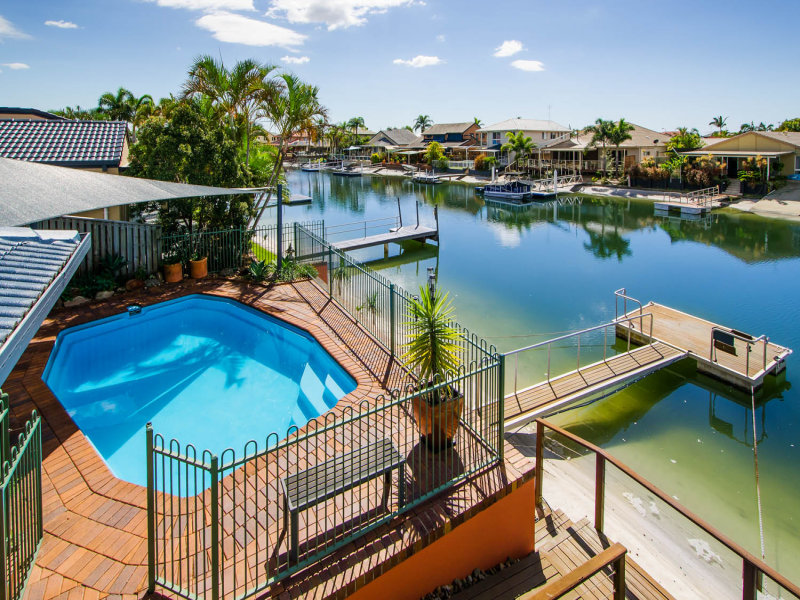 17 Seabreeze Street, Paradise Point, Qld 4216