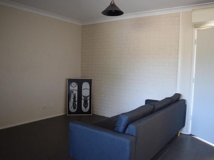 1, 24 Wakehurst Crescent, Metford, NSW 2323