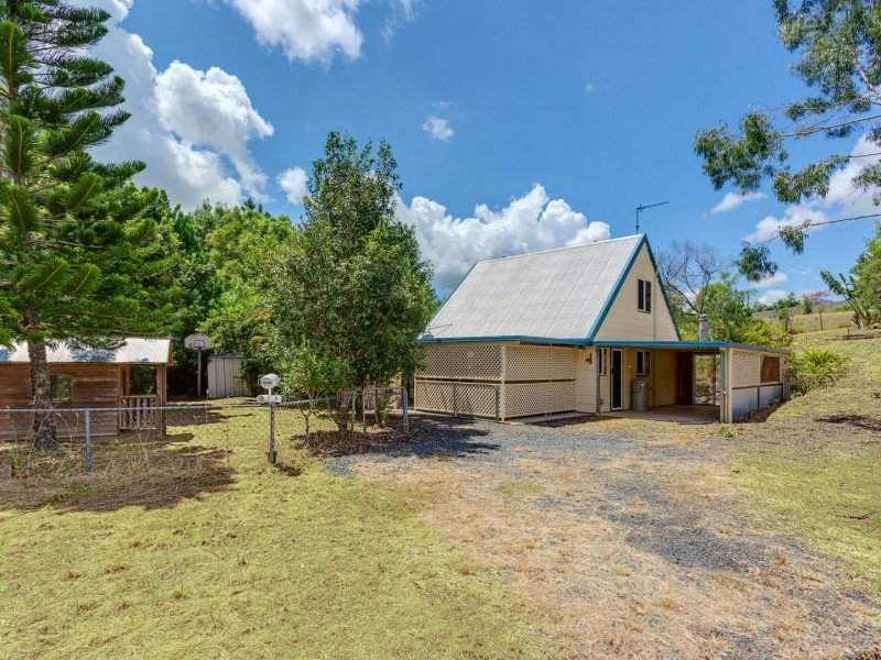 8 Gene Court, Victory Heights, Qld 4570
