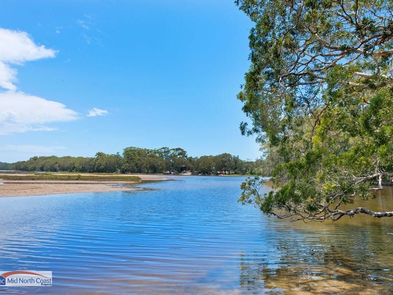 20 Tallong Drive, Lake Cathie, NSW 2445