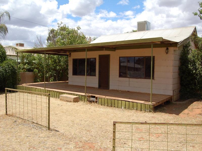 9 canada street, Lake Cargelligo, NSW 2672