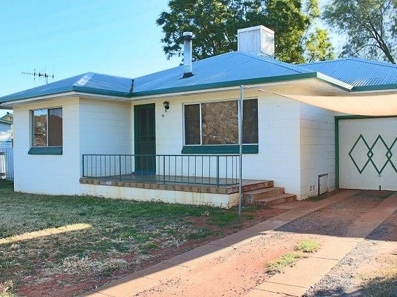 15 Woodiwiss Avenue, Cobar, NSW 2835