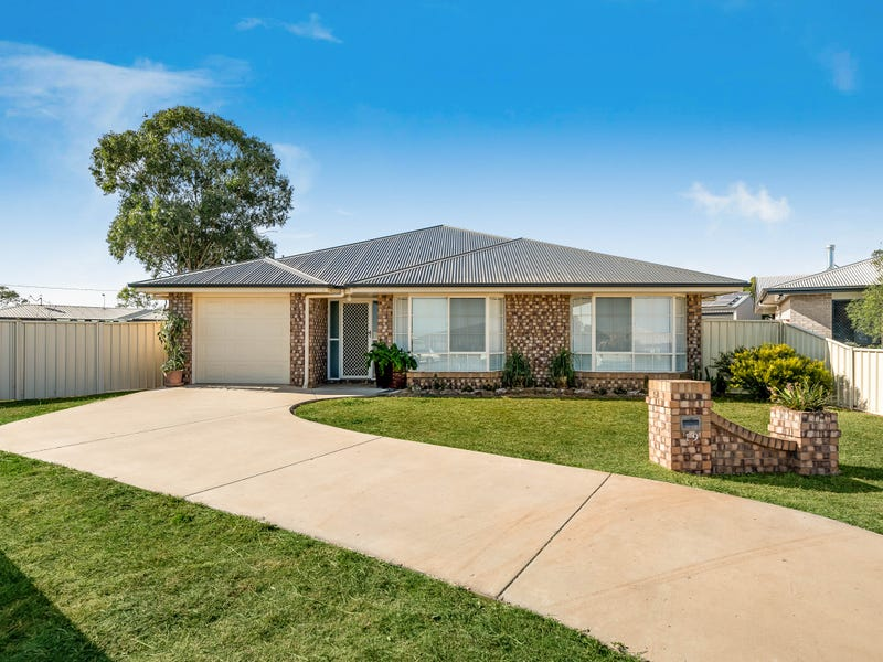 19 Joann Court, Oakey, Qld 4401