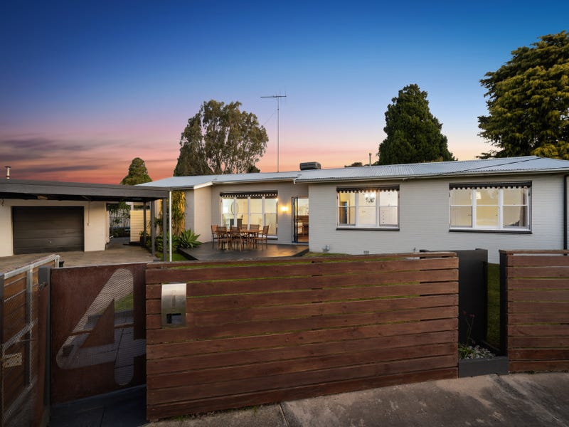 4 Lae Court, Herne Hill, Vic 3218