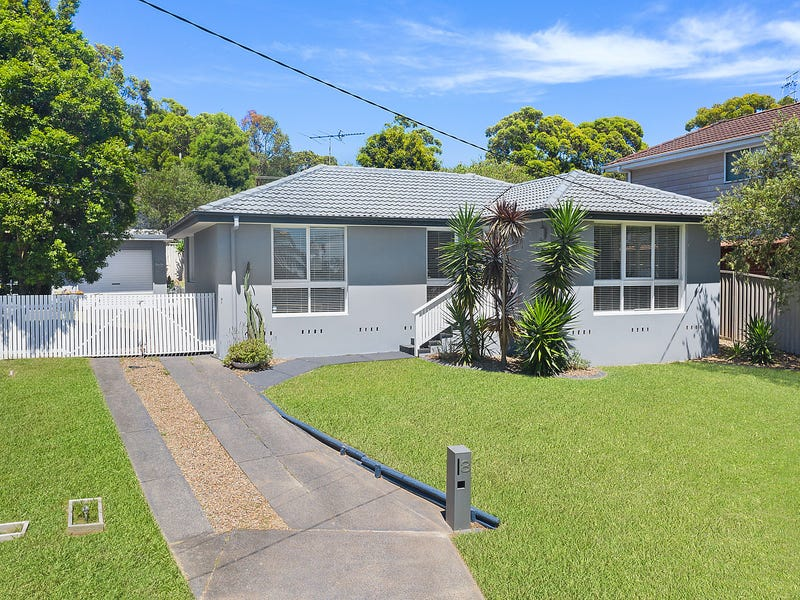 8 Banks Close, Bateau Bay, NSW 2261