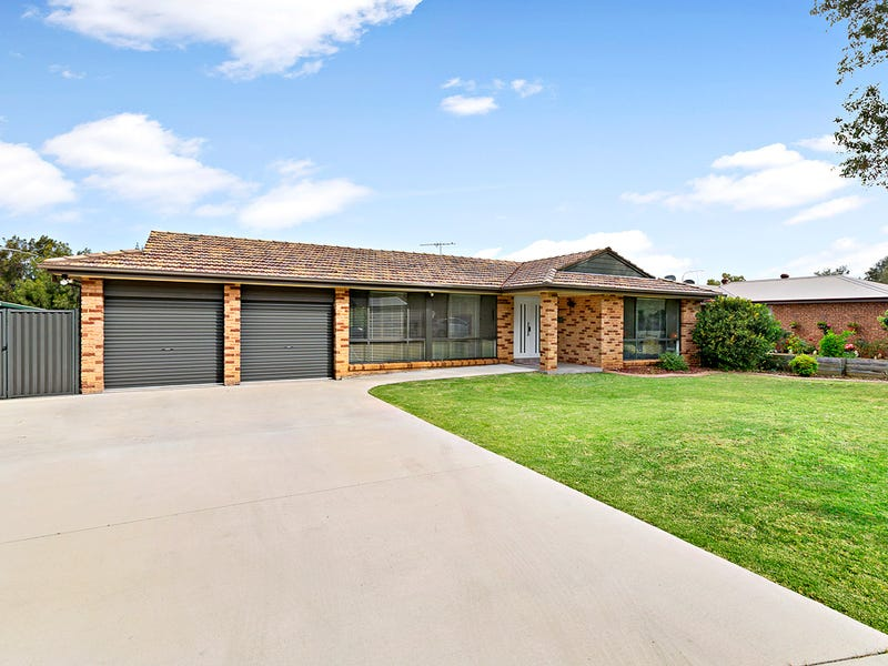 8 Canna Place, St Andrews, NSW 2566