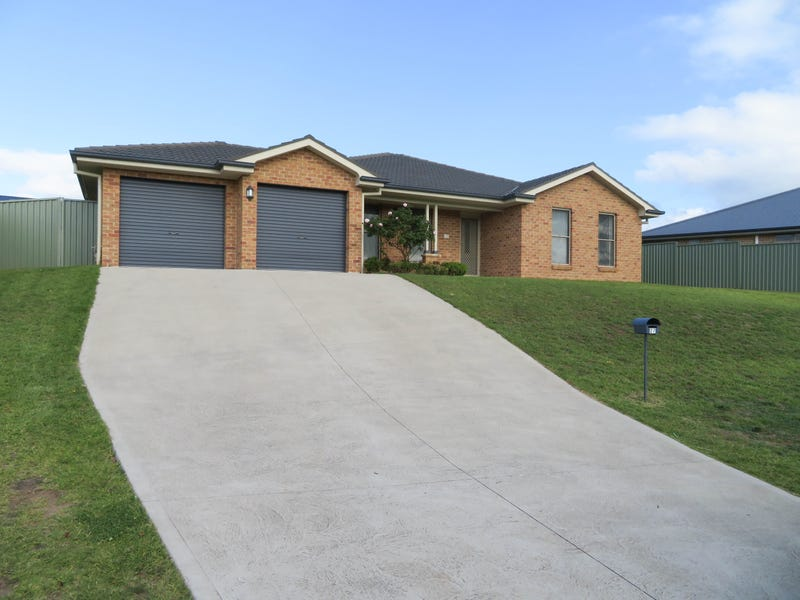 27 Emerald Drive, Kelso, NSW 2795