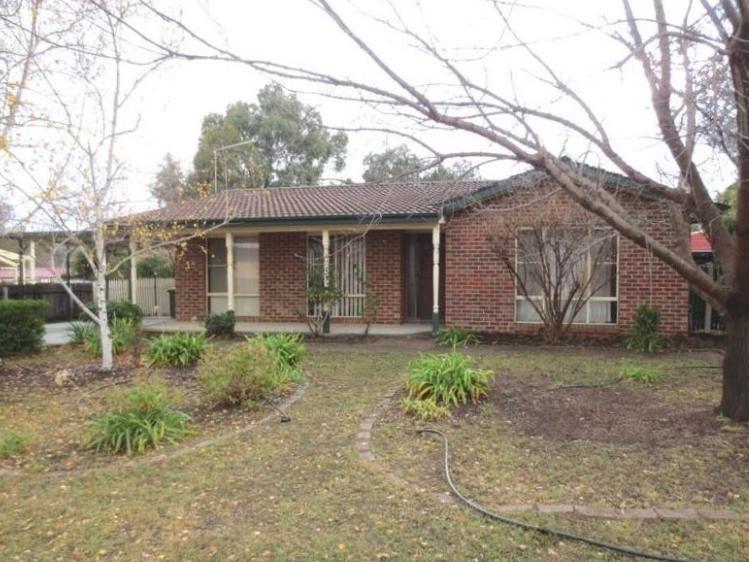 56 Clare Dennis Avenue, Gordon, ACT 2906
