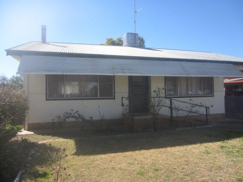 12 BOGAN ST, Nyngan, NSW 2825