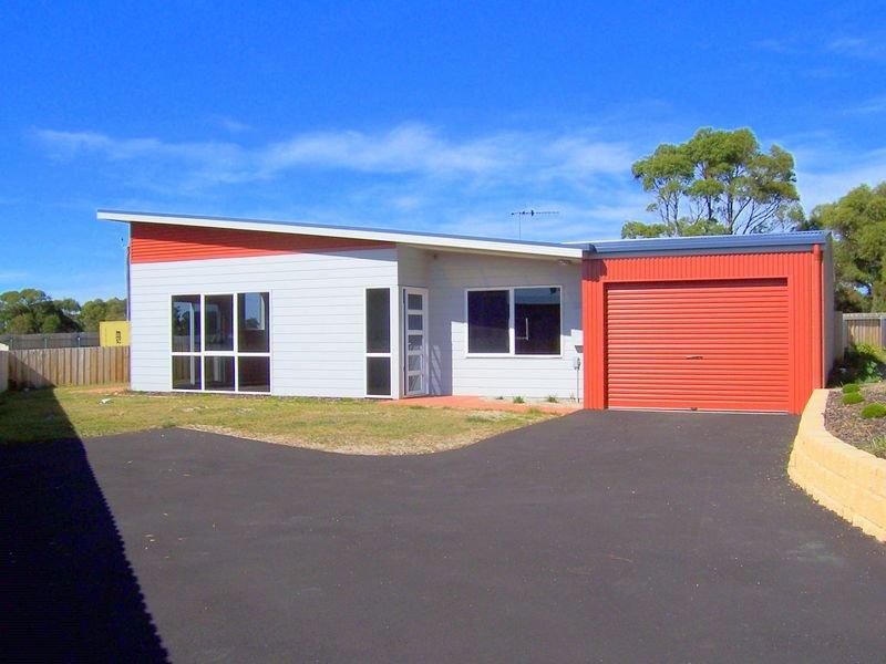 2/6 Maori Place, Akaroa, Tas 7216
