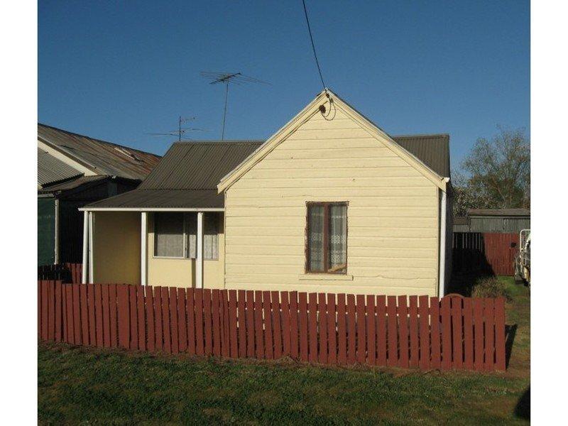 2 Edwards Square, Greenethorpe, NSW 2809