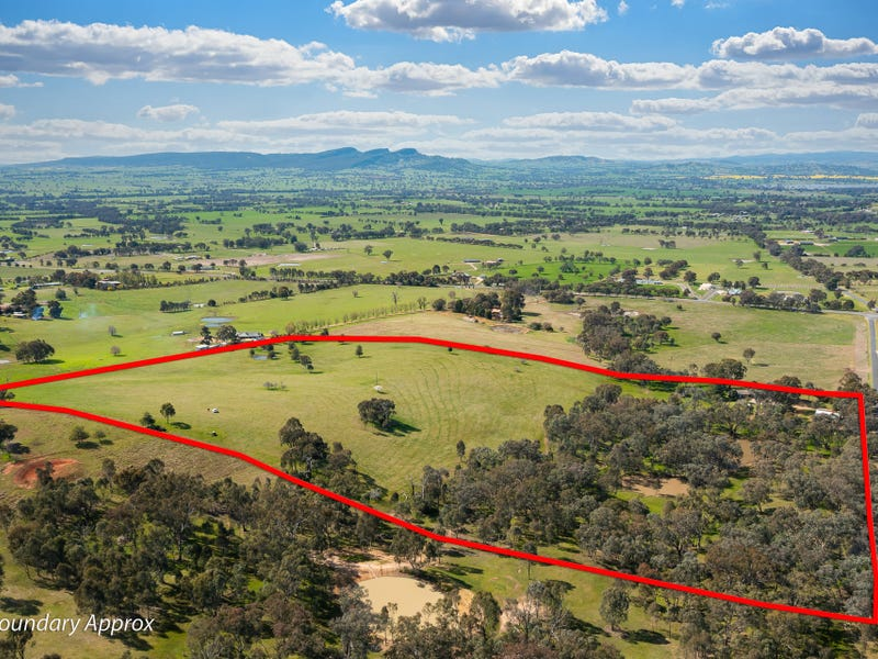 46 Dellven Drive, Table Top, NSW 2640