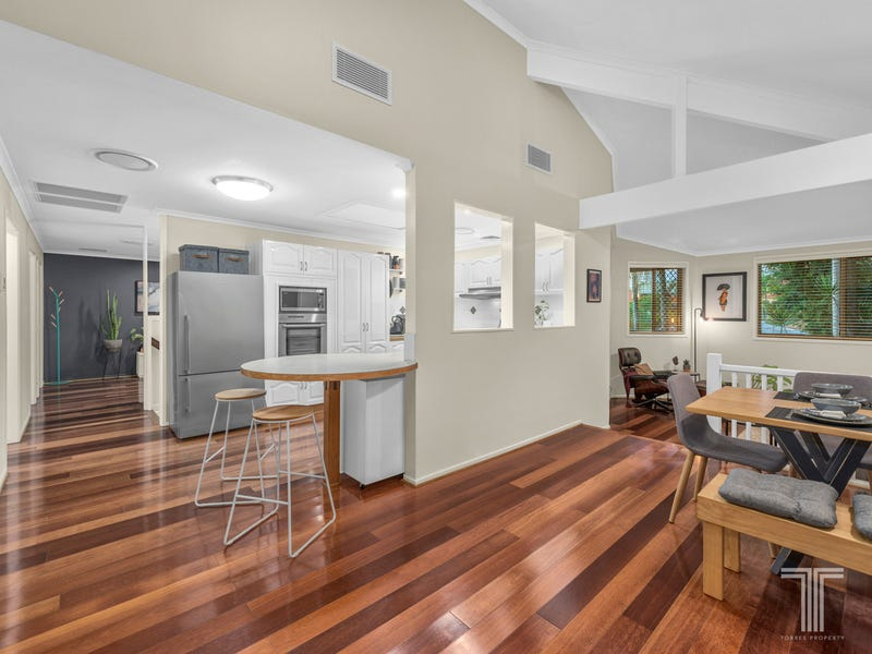 5 Gon Chee Court, Carindale, Qld 4152
