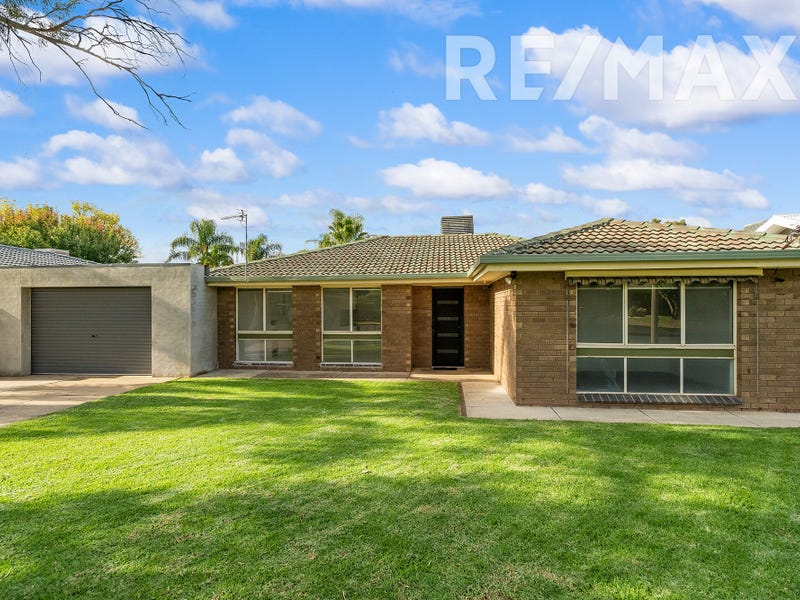 7 Nandina Avenue, Lake Albert, NSW 2650