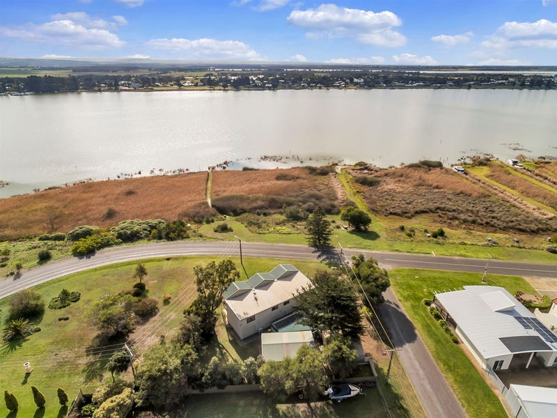 99 Captain Sturt Parade, Hindmarsh Island, SA 5214