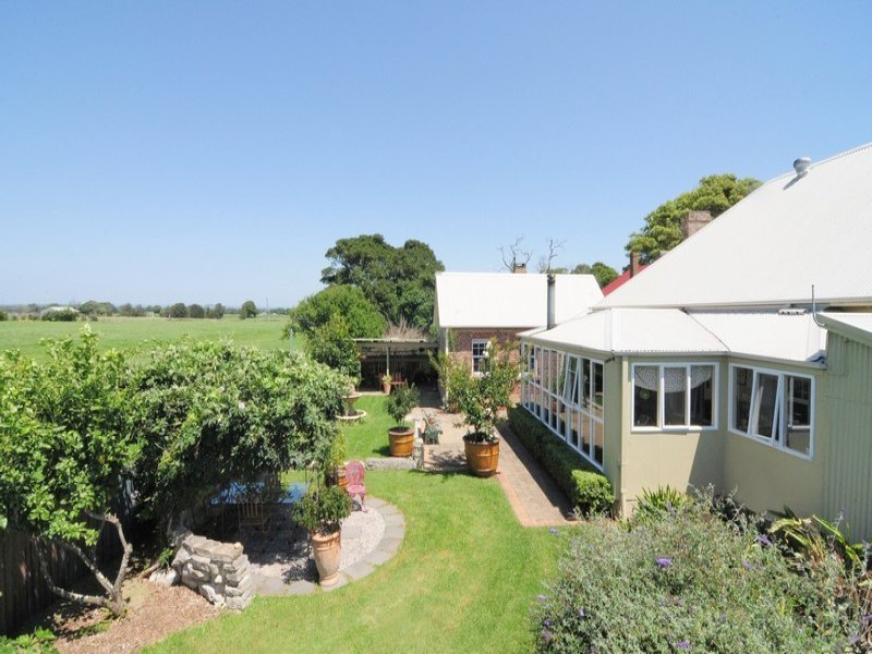 890 Greenwell Point Road, Pyree, NSW 2540