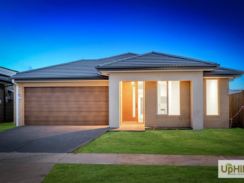 34 SHULZE DRIVE, Clyde North, Vic 3978