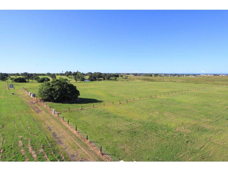 Lot 11 ELLIOTT HEADS Road, Innes Park, Qld 4670
