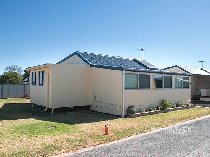 Cabin 1 Sunraysia Holiday Park, Mildura, Vic 3500