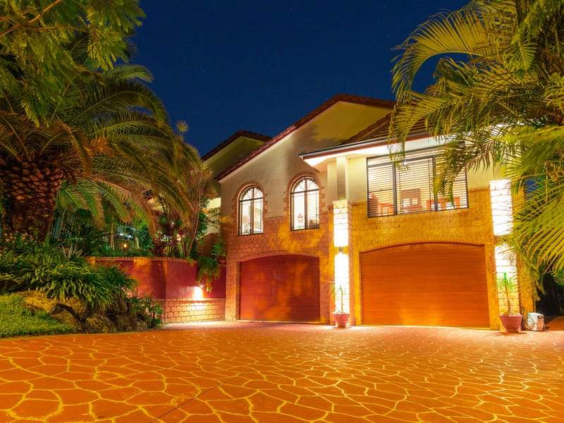 21 Pago Terrace, Pacific Pines, Qld 4211