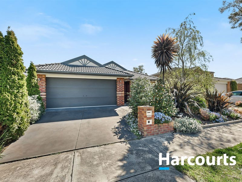 5 Houndsforth Street, Cranbourne East, Vic 3977