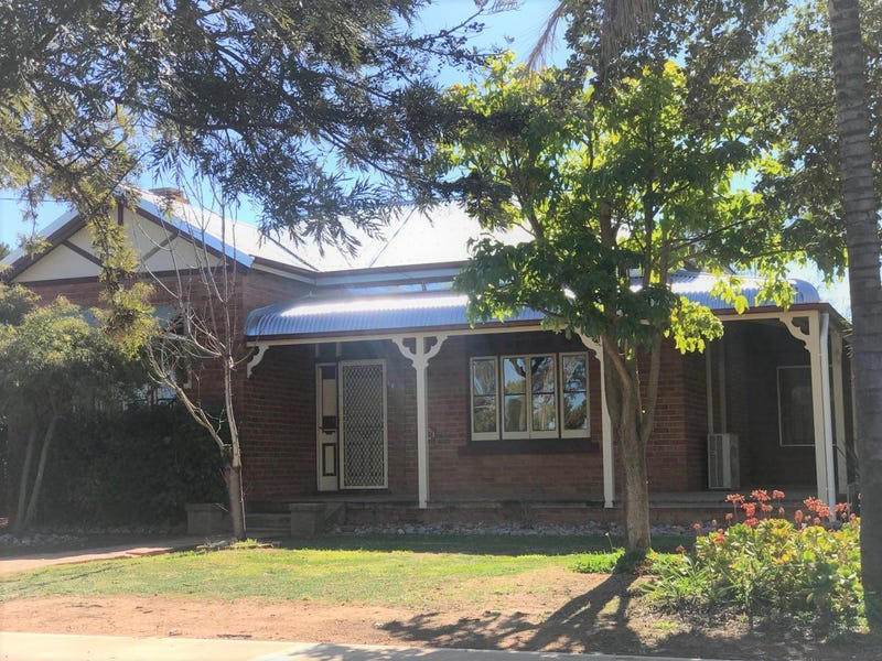 44 Victoria Street, Parkes, NSW 2870