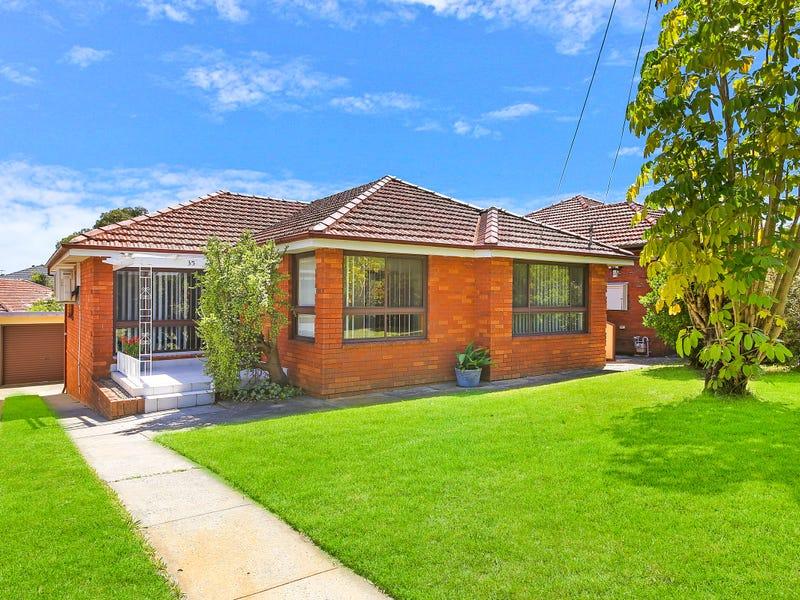 35 MOOREFIELDS RD, Kingsgrove, NSW 2208