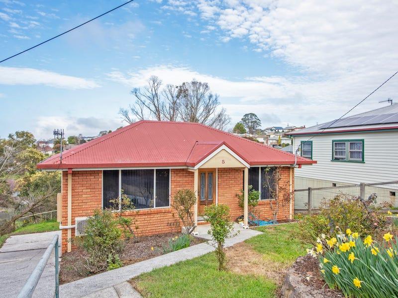 5 Sampson Street, Burnie, Tas 7320