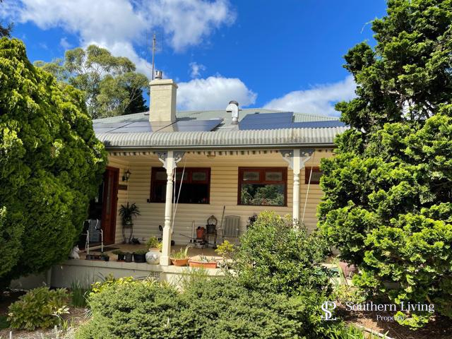 23 Bong Bong Road, Mittagong, NSW 2575