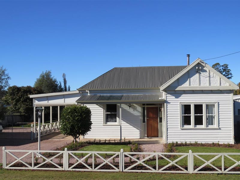 8 Johnson Street, Sheffield, Tas 7306