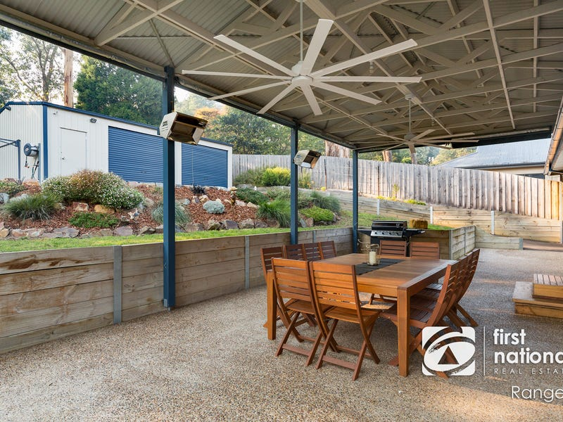 52 Caroline Avenue, Cockatoo, Vic 3781