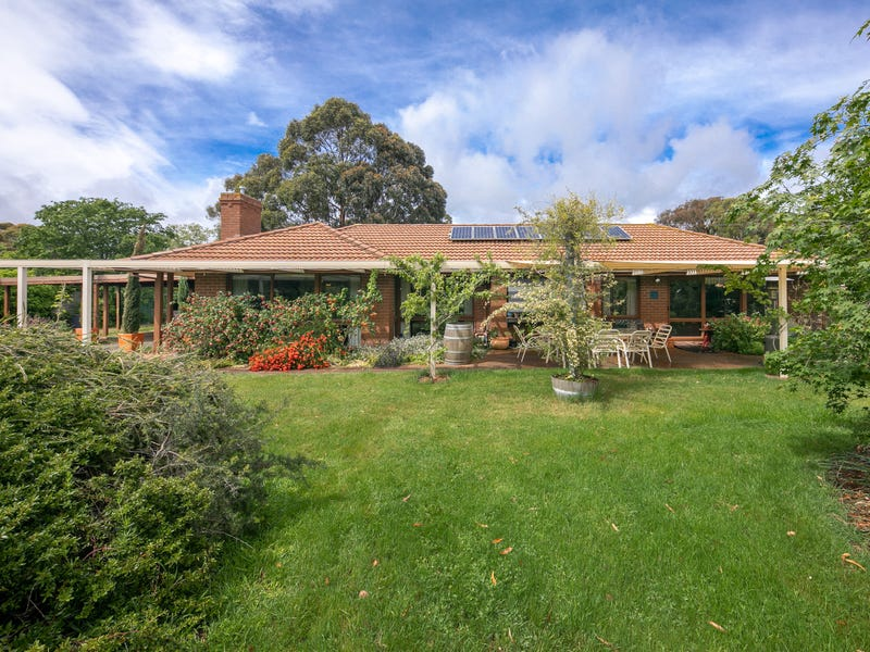 3 Whelans Place, Romsey, Vic 3434