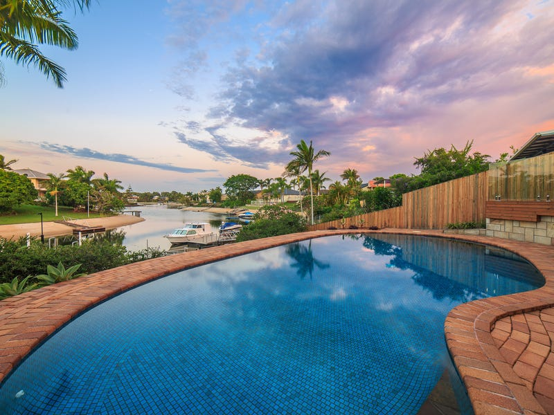 4 Selkirk Avenue, Benowa Waters, Qld 4217