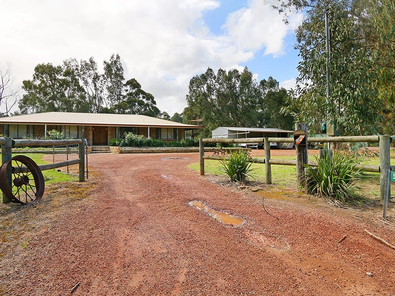 59 Rain Lover Court, Darling Downs